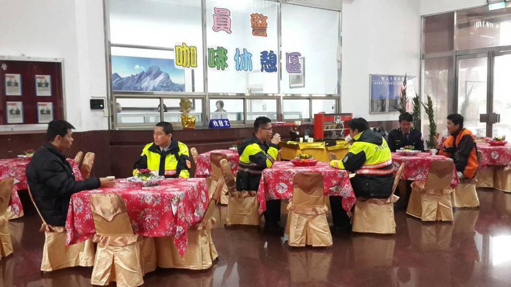 嘉義縣警察局燈會期間1樓將改成咖啡休憩區。 記者卜敏正/攝影