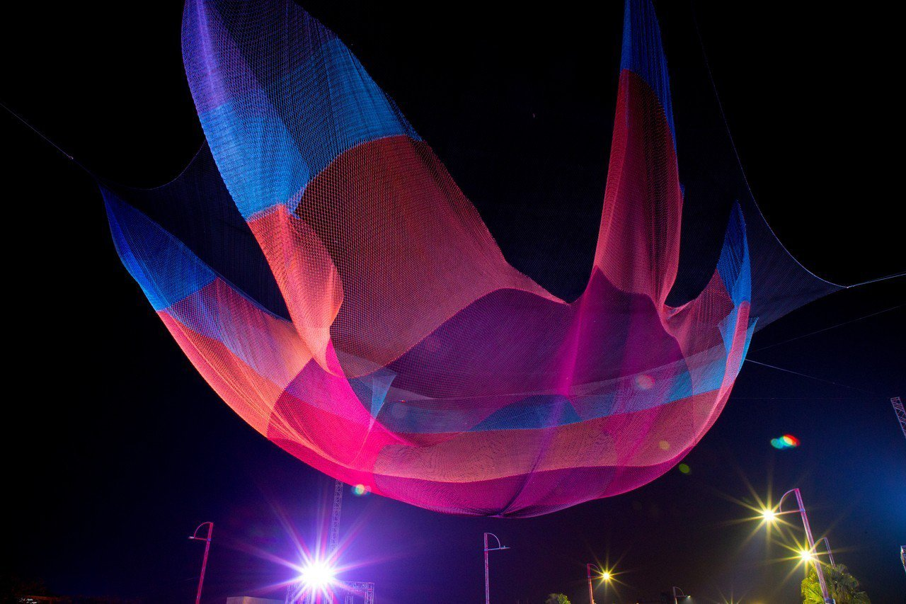 台灣燈會八大必看美燈之一懸空藝術燈區「1. 26」。 圖/嘉縣府提供