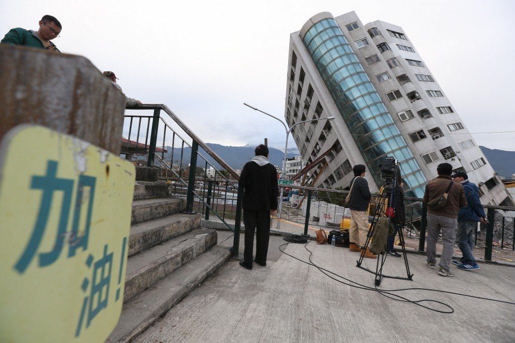 2月6日花蓮大震後,台灣震出一場地震達人秀。 圖/聯合報系資料照