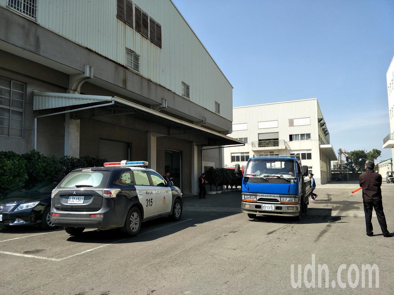 警方到場警警戒。記者謝進盛/攝影