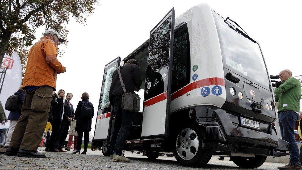 德國測試無人駕駛公車。美聯社