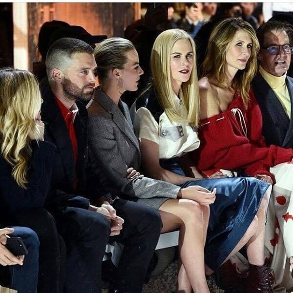 Sebatian Stan、瑪歌羅比、妮可基嫚、蘿拉鄧恩一同坐前排看秀。圖/擷取...