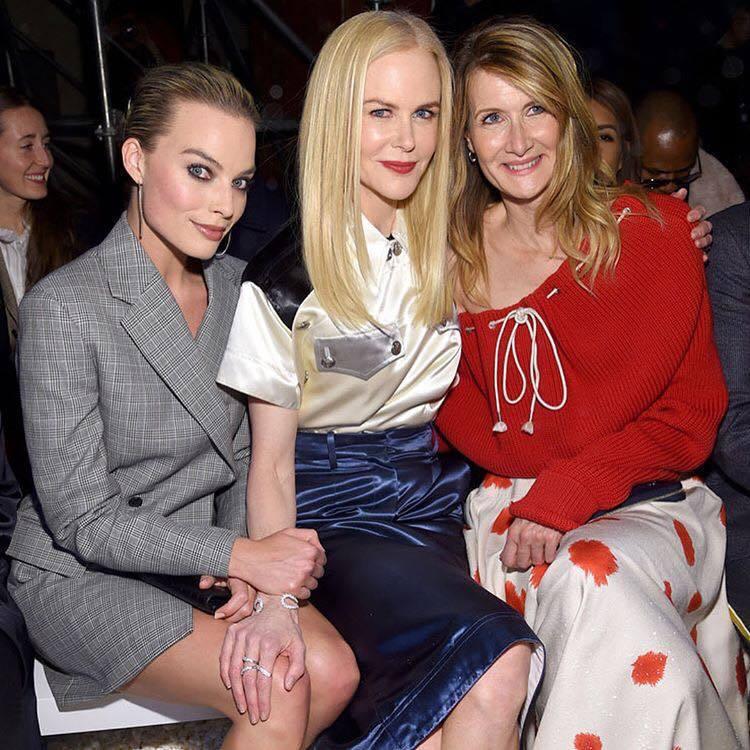 瑪歌羅比、妮可基嫚、蘿拉鄧恩一同坐前排看秀。圖/擷取自IG
