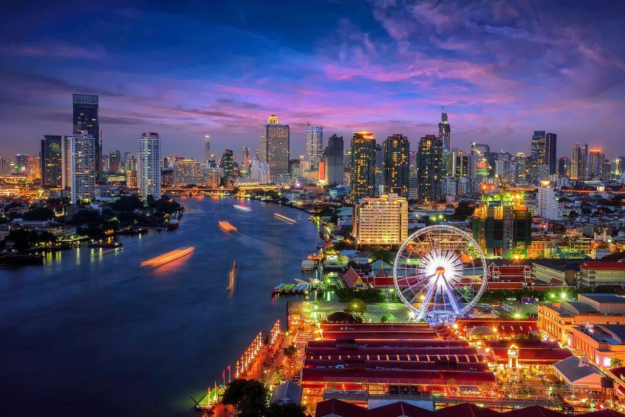 泰國河濱夜市。燦星旅遊/提供
