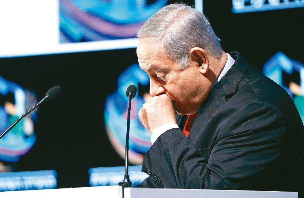 以色列總理內唐亞胡十四日召開記者會否認一切犯行。 (法新社)