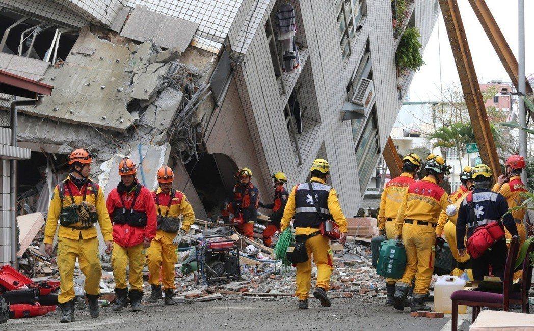 花蓮縣提供倒塌戶20萬元慰問金,內政部也提供租屋補貼。 圖/聯合報系資料照片