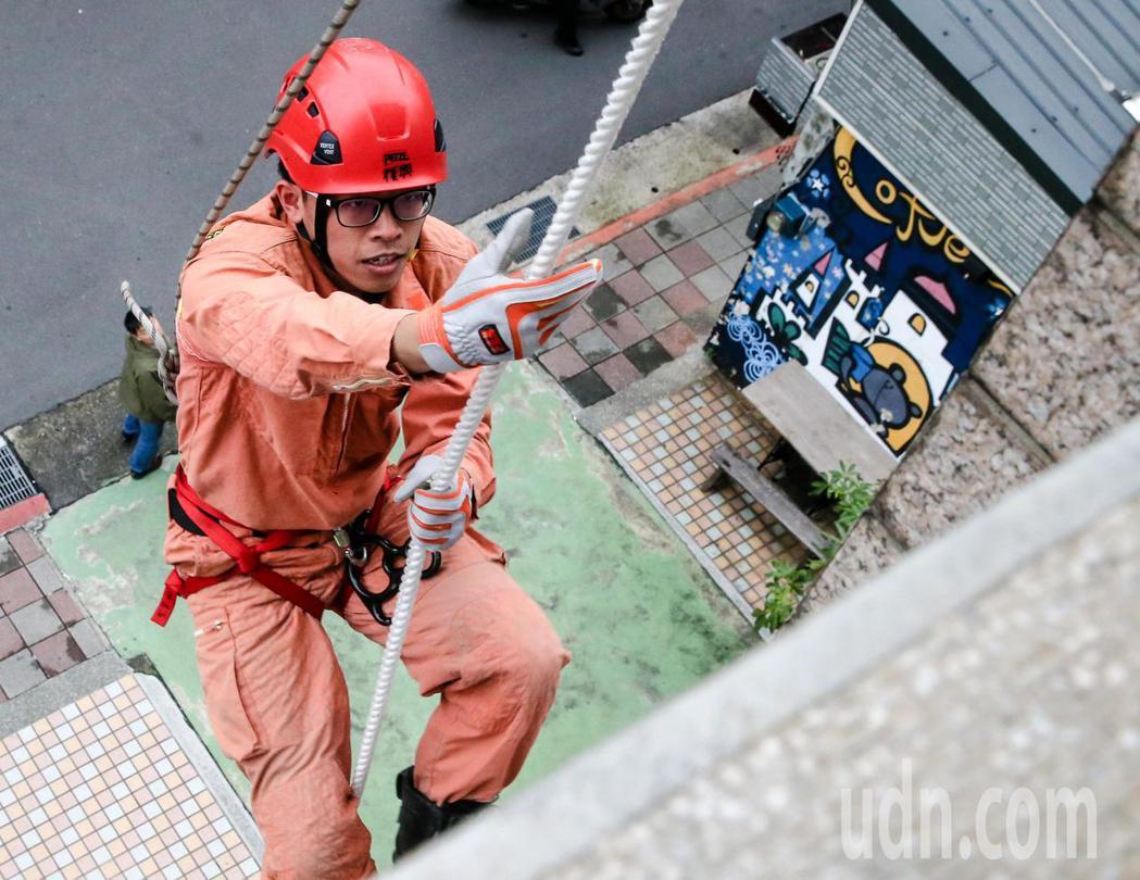 賴怡達平時勤於訓練,為隨時到來的任務做好準備。記者鄭清元/攝影