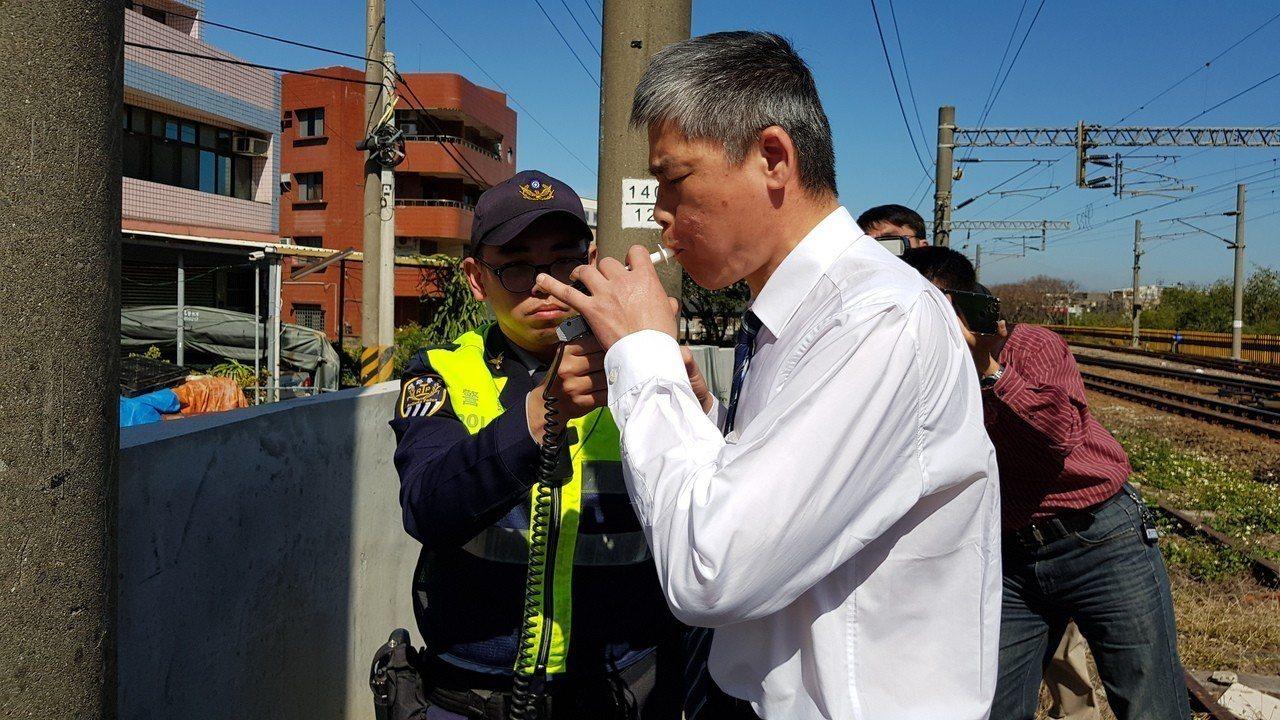 警方對普悠瑪謝姓司機員酒側,酒測值零。 記者黃瑞典/攝影