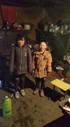 中國貧童冰花男孩過年唯一心願:媽媽回家