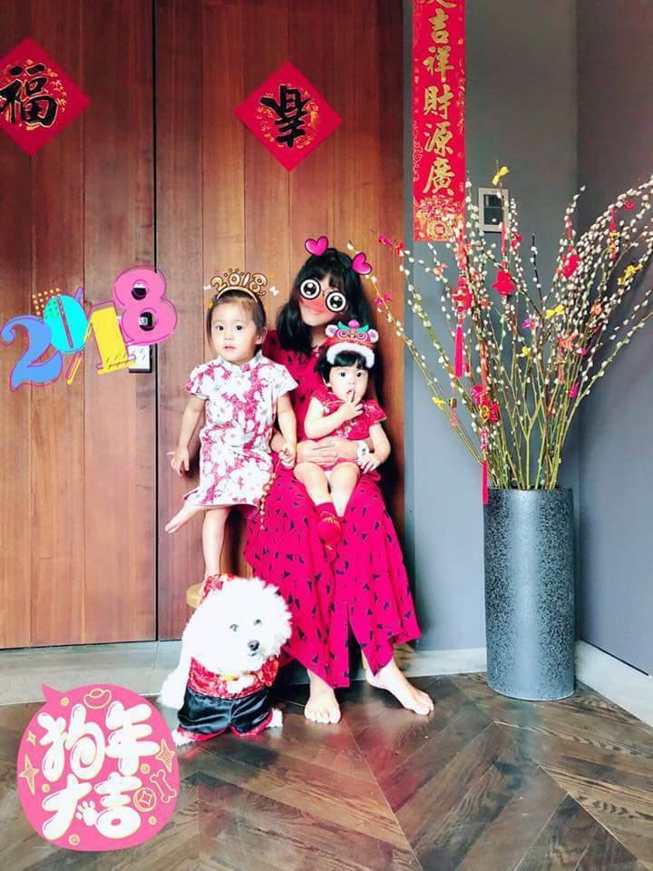 賈靜雯3個女兒拜年裝扮各有特色。圖/摘自臉書