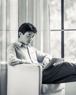 本名「張煒」的大陸推理小說家「呼延雲」。 圖/取自百度