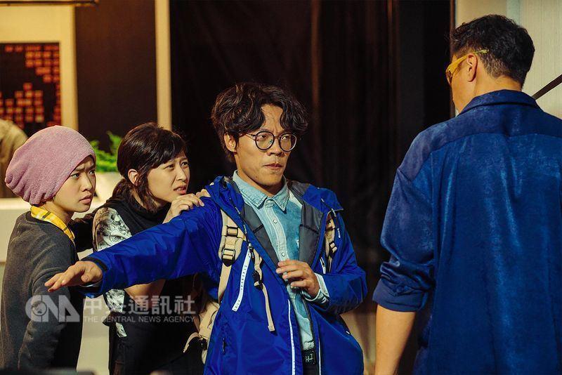 賀歲國片「花甲大人轉男孩」9日上映,截至16日為止,全台票房破新台幣3700萬元