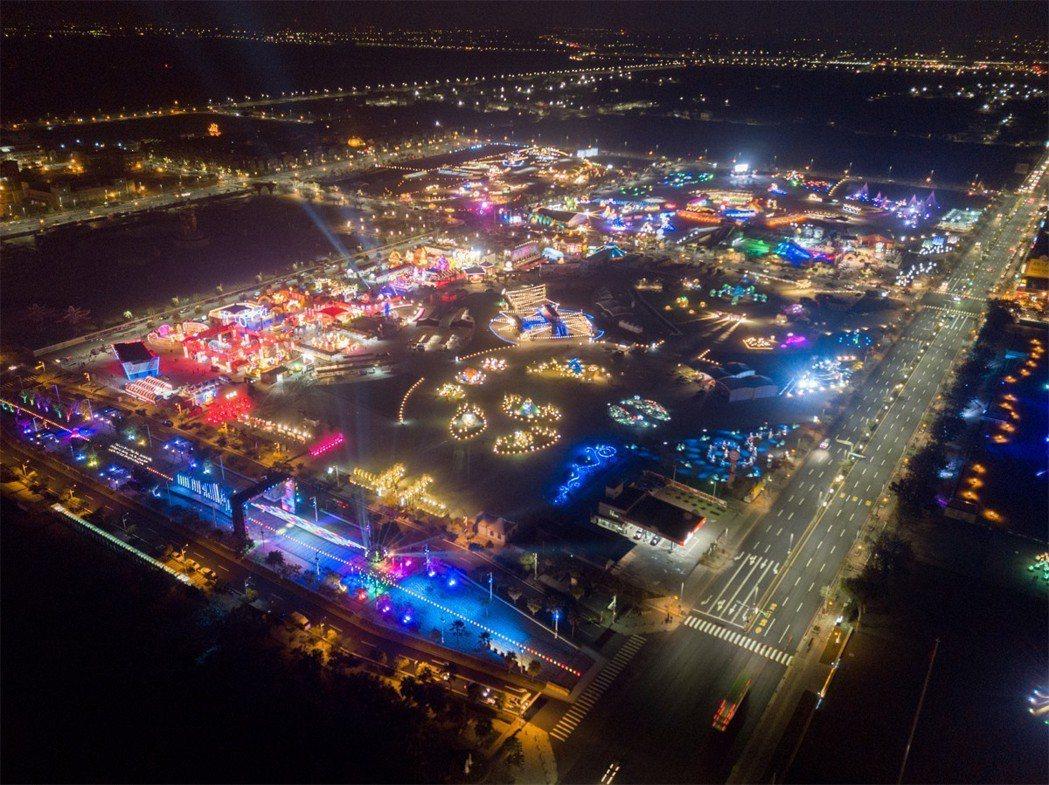今年的燈會涵蓋7大主題、18個燈區,燈區面積、展燈天數和水陸空三棲展演,史上之最...