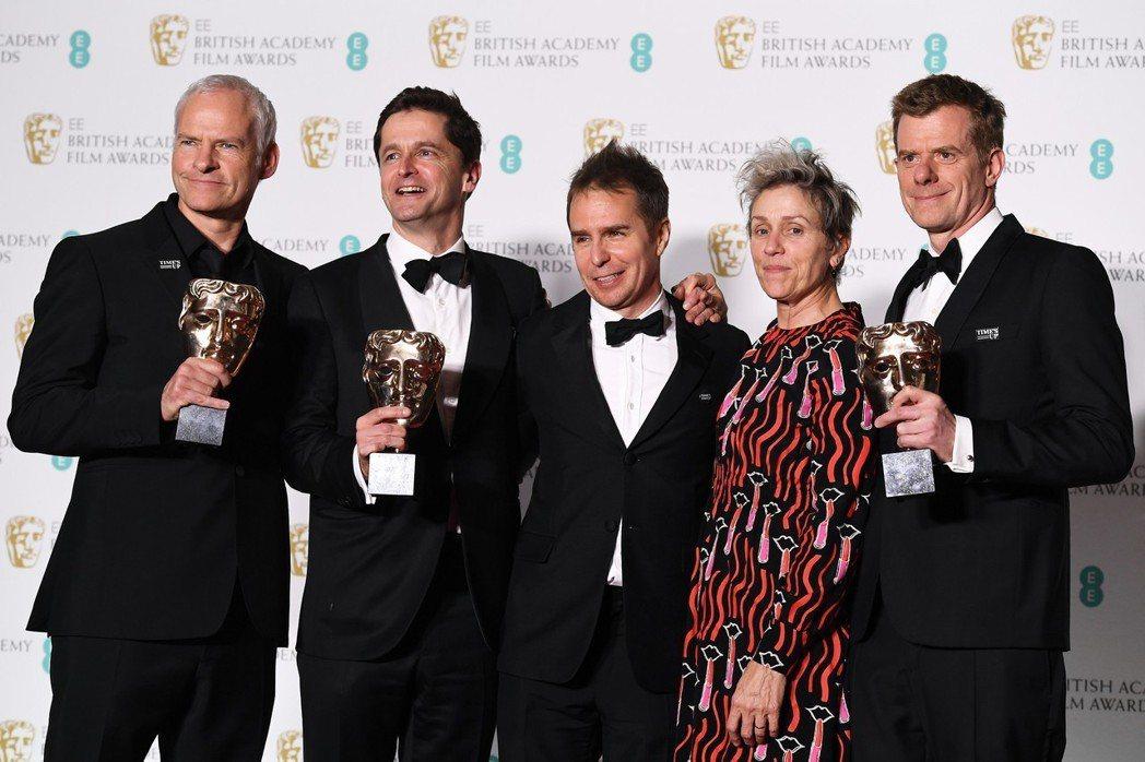 黑色喜劇「意外」抱回最佳影片等5座大獎,成為最大贏家。 歐新社