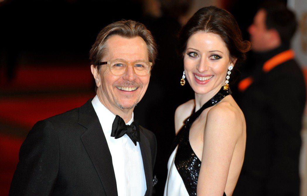 英國演員蓋瑞歐德曼(Gary Oldman)與其妻。 歐新社