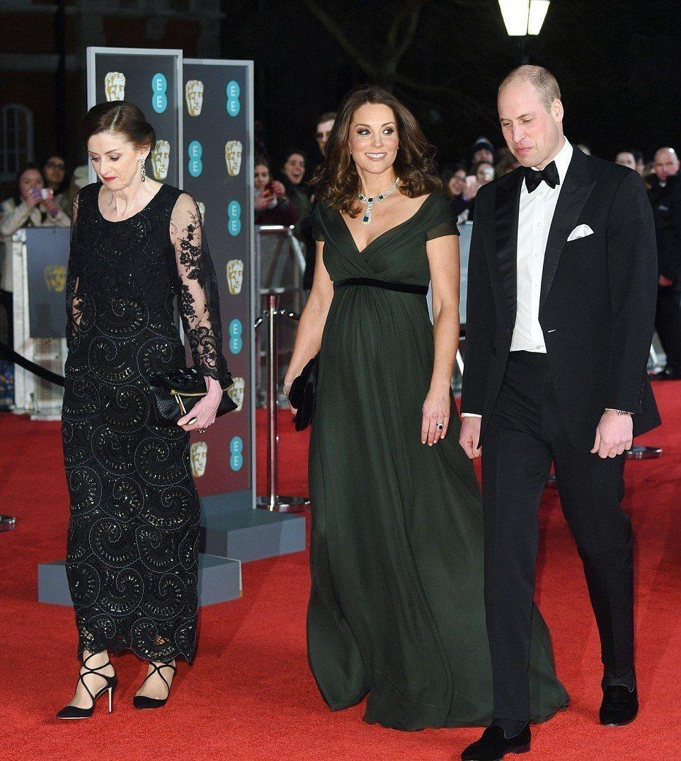 英國影藝學院電影獎(BAFTA)頒獎典禮,響應反性騷運動,劍橋公爵夫人凱特(中)