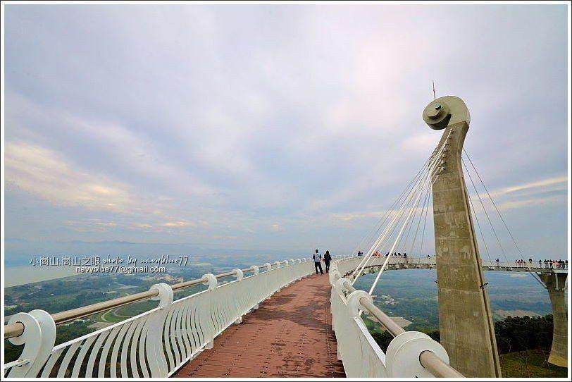 ↑提琴塔拉起的天空廊道十分平穩,視野極佳。