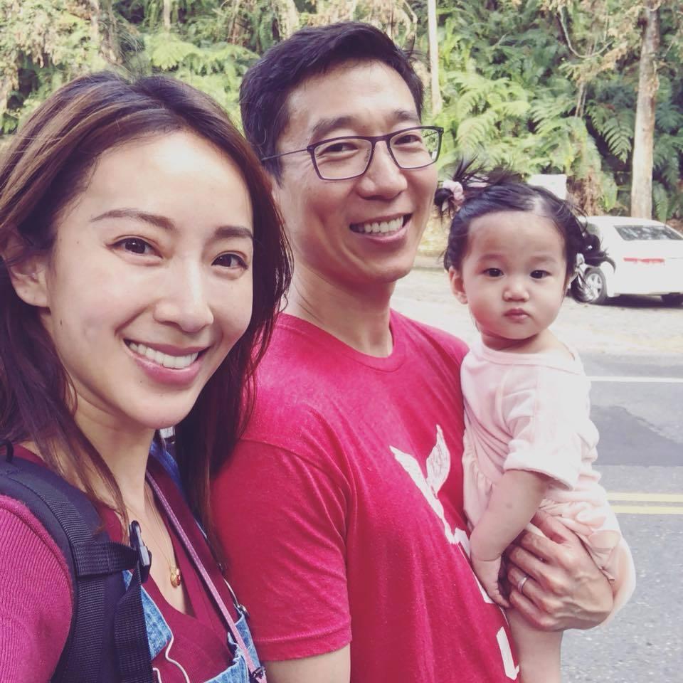 隋棠(左)帶老公、小孩回老家過年。圖/摘自臉書