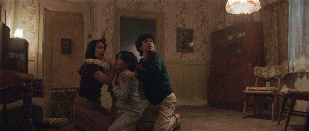「鬼搖靈」由曾入圍威尼斯影展競賽片的印尼導演喬可安華執導,他坦言小時候曾被該片的