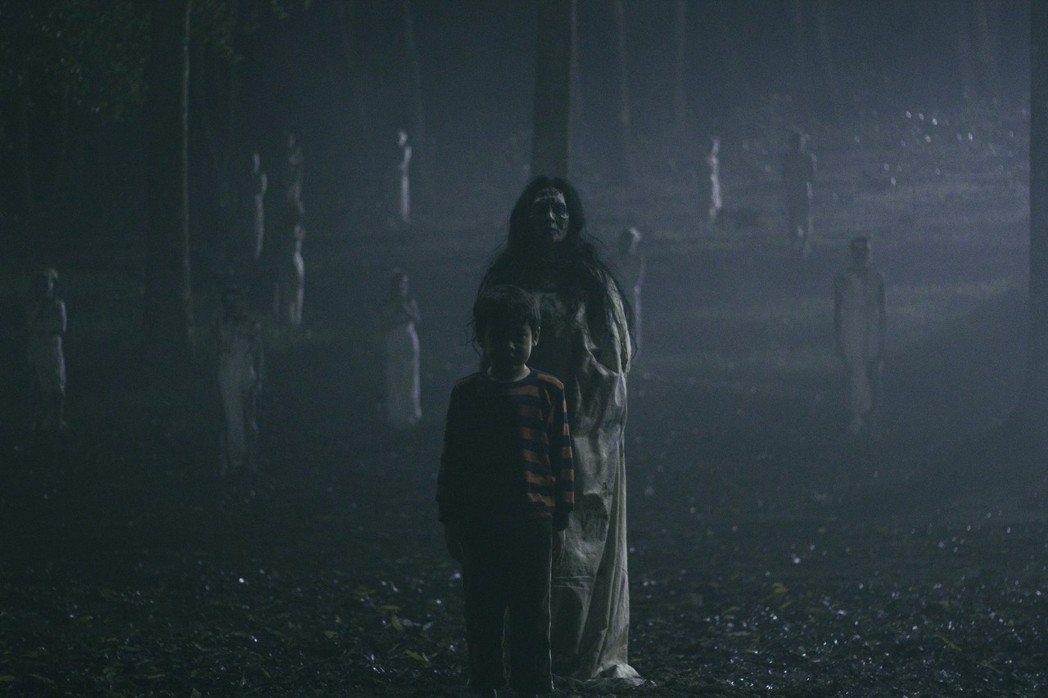 「鬼搖靈」由曾入圍威尼斯影展競賽片的印尼導演喬可安華執導,他坦言小時候曾被該片的...