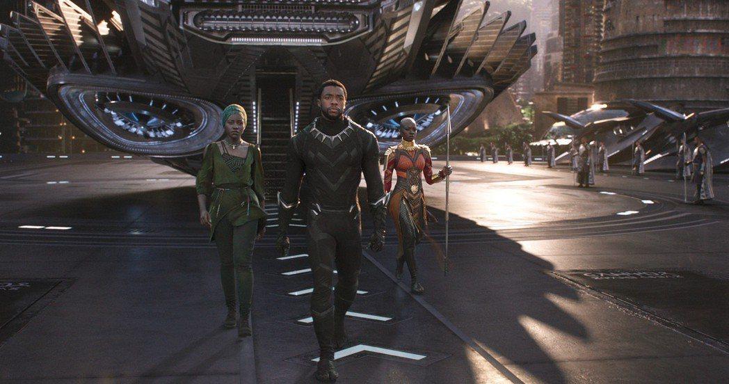 漫威超級英雄大片「黑豹」票房已破1.9億,是全台春節票房冠軍。圖/博偉提供