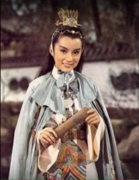 林青霞在「金玉良緣紅樓夢」 首度反串,扮演賈寶玉。圖/摘自YouTube