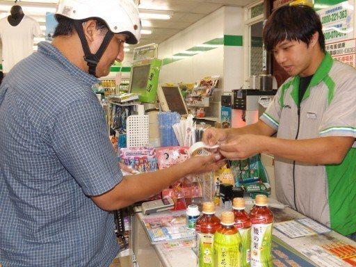 在台灣,不少學生打工是為了經濟,在北歐、澳洲,打工則是學生必修科目與趨勢潮流。圖...