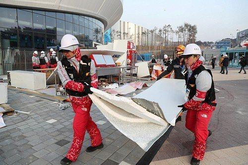 南韓為主辦冬奧投入大量財力在當地大興土木。 (路透)