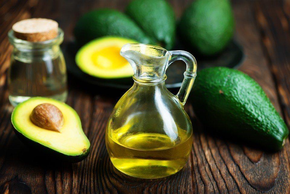 減重的飲食建議,有人強調低醣,有人則強調少油,研究指出,兩種方法效果其實差不多。...