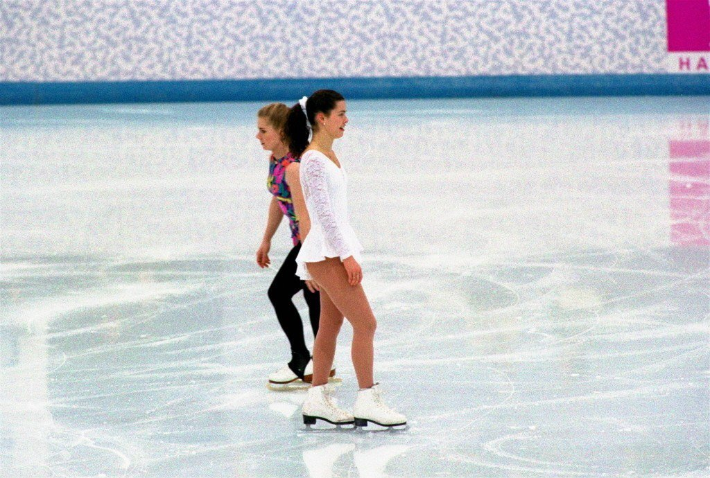 左:Tonya Harding;右:Nancy Kerrigan。 圖/美聯社