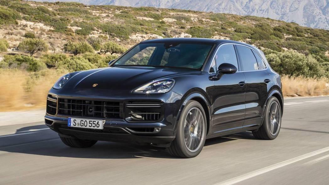 全新 Porsche Cayenne 在外型上更加時尚,儘管車長微幅小漲 76 ...