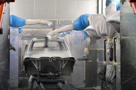 入股戴姆勒前 吉利總裁李書福也想跟這間德國車廠合作...