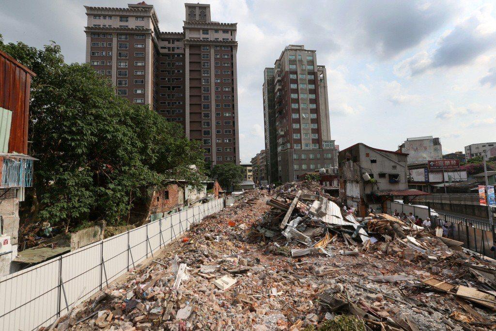 圖為2014年,暫定古蹟青雲閣遭強拆後成斷垣殘壁。 圖/聯合報系資料照