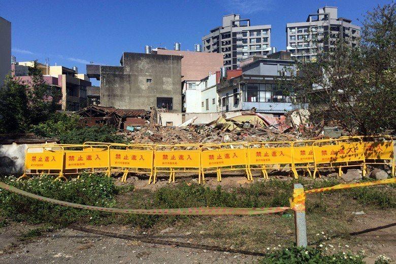 儘管新竹太原第具暫訂古蹟身份,但仍不敵土地開發的龐大利益威脅,已於今年除夕遭屋主...