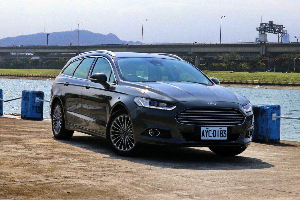 優雅旅行蟒Ford Mondeo Wagon。 記者陳威任/攝影