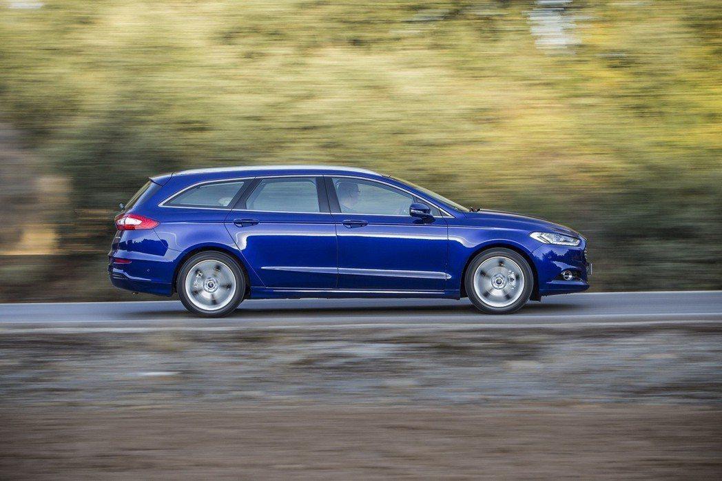 Ford Mondeo Wagon提供猶如豪華車般的舒適駕馭感受。 圖/Ford提供