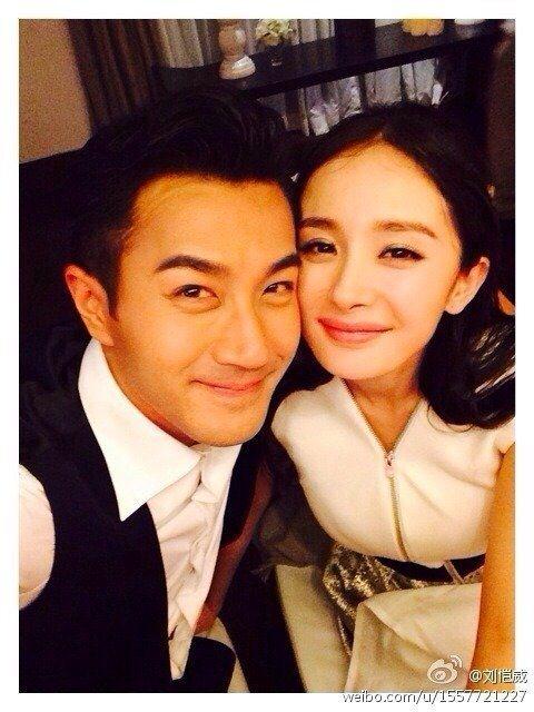 劉愷威(左)與楊冪屢傳婚變。圖/摘自微博