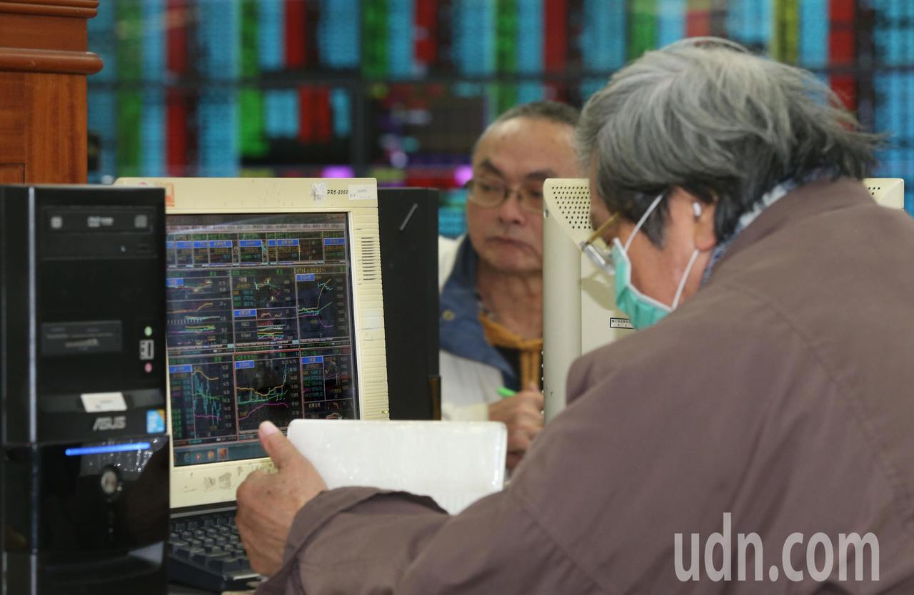 台股可以安了嗎?法人表示,個股差異才要開始。記者林俊良/攝影