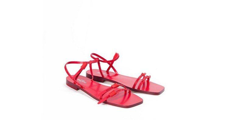 Off-White與Jimmy Choo聯名系列涼鞋,約38,200元。圖/Of...