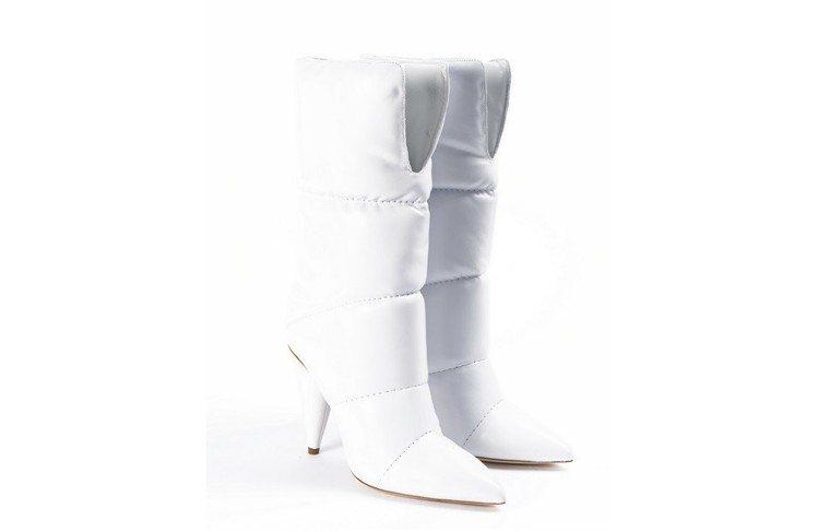 Off-White與Jimmy Choo聯名系列高跟長靴,約53,692元。圖/...