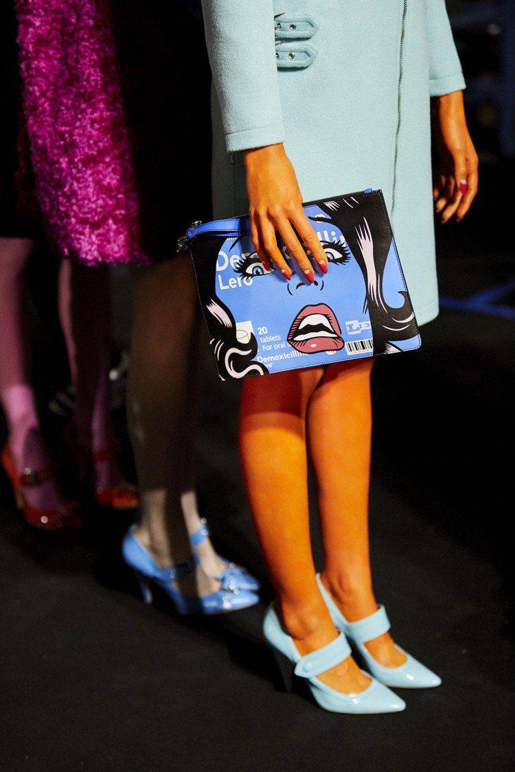 Moschino更邀請澳洲藝術家Ben Frost共同合作本次的即看即買膠囊系列...