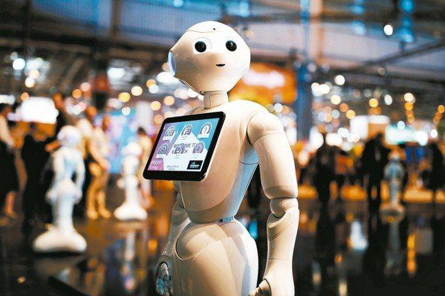 104資訊科技22日指出,國內AI人才缺口保守估計約6,000個,三年翻倍成長。...