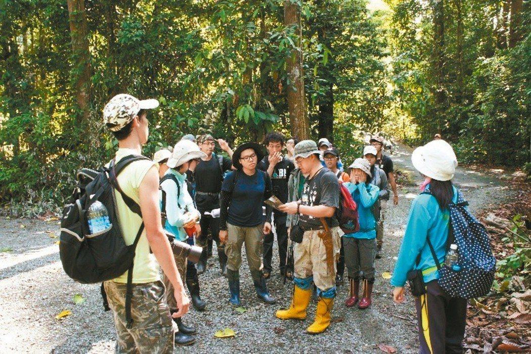 宜大學生到馬來西亞沙巴州熱帶雨林,進行海外課程。 圖/宜蘭大學提供