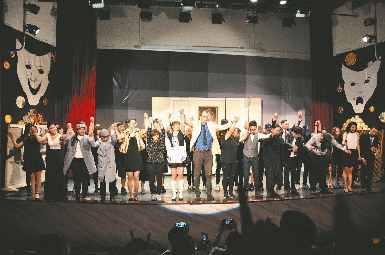 以學生為本位,提供學生校內外參賽和發表成果的舞台。 圖/明道大學提供
