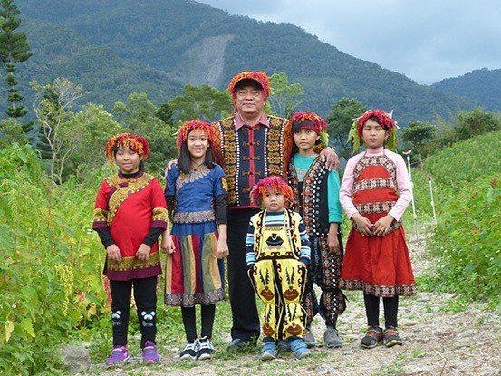 台東達仁鄉不只發展紅藜產業品牌,更讓紅藜串起年輕人回家的路。 業者/提供。