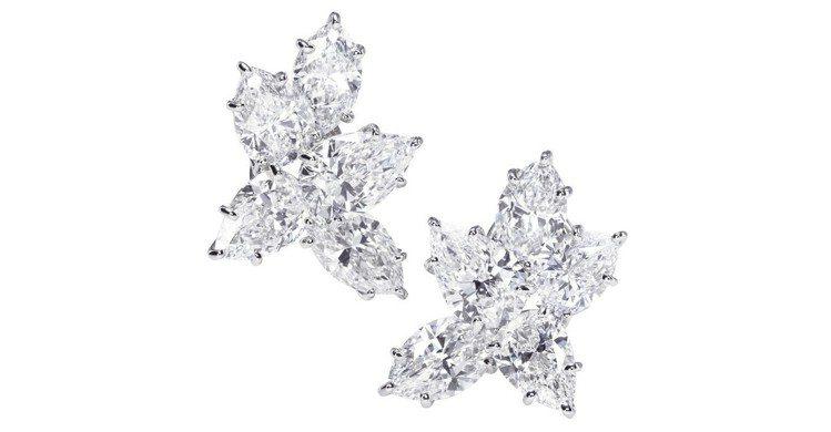 瑪格羅比出席BAFTA紅毯配戴的海瑞溫絲頓Winston Cluster系列鑽石...