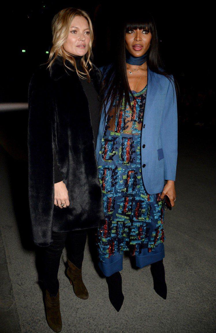 凱特摩絲和娜歐蜜坎貝爾兩位資深超模共同出席BURBERRY大秀。圖/BURBER...