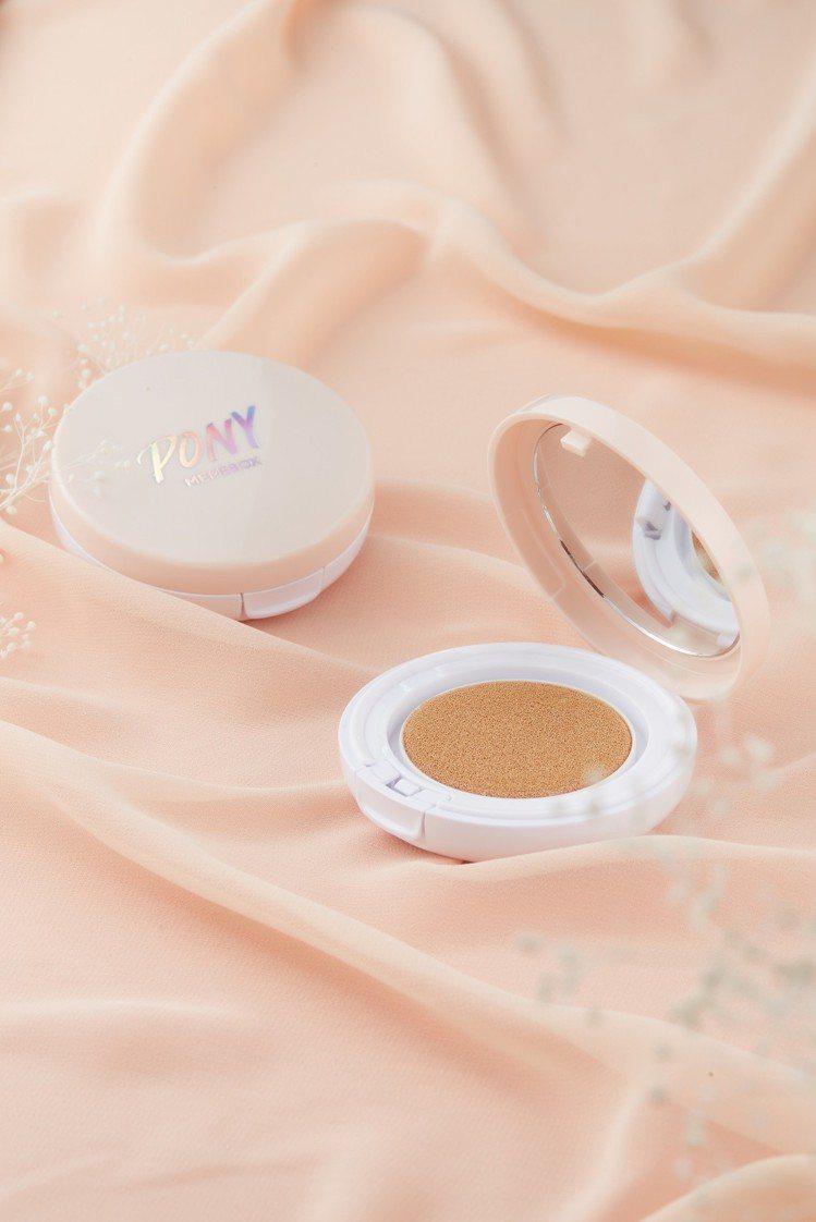 PONY女王霧光氣墊粉餅可打造韓國流行的半霧光澤感。圖/MEMEBOX提供
