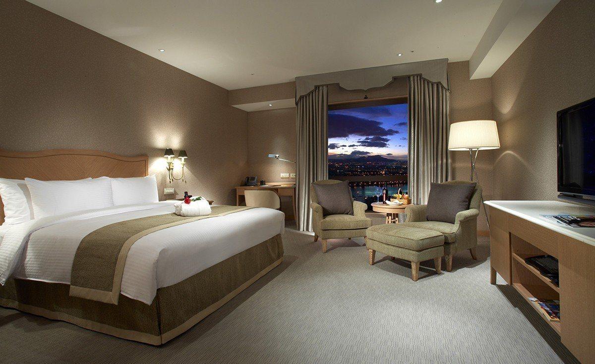 翰品酒店新莊獲全台前25大飯店第一名及最高性價比第一名 圖/雲朗觀光 提供