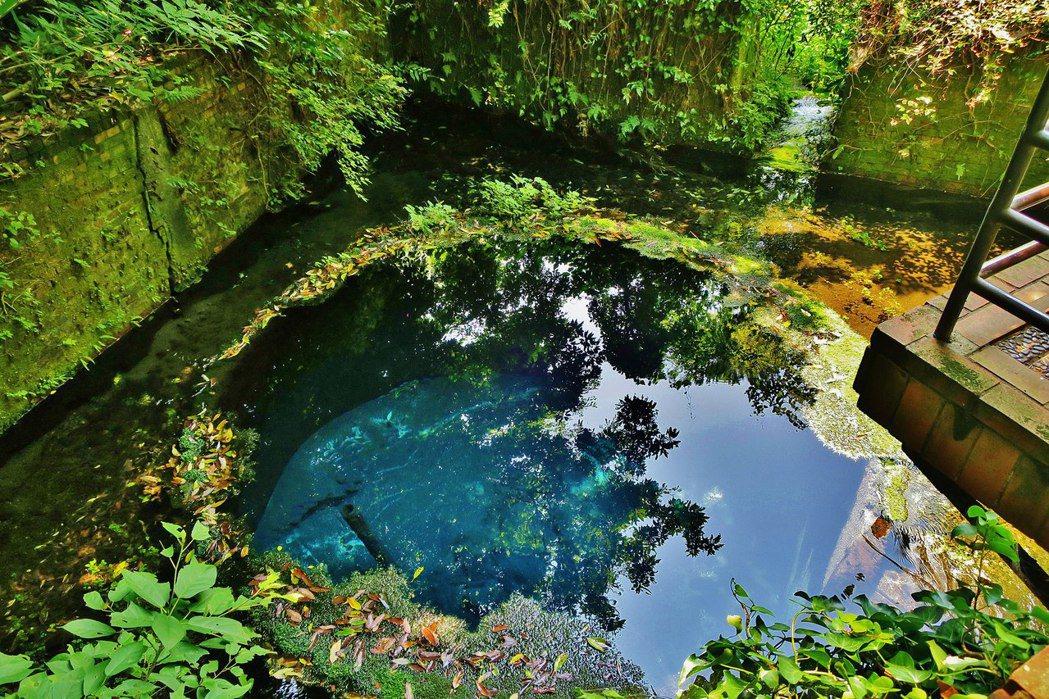 柿田川是日本三大清流之一,並被指定為國家天然紀念物。 圖/維基共享